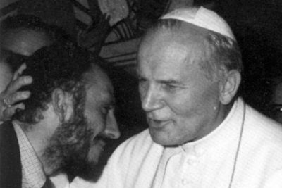 Audienz beim hl. Johannes Paul II. Kiko Argüello und der Papst.